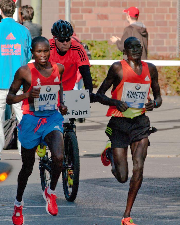 マラソン 記録 ハーフ 世界
